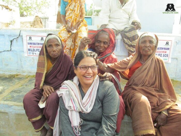 The blessings that she receives from the community encourages her to continue working.